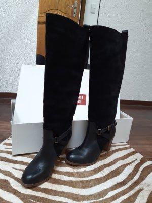 """Schwarze Lederstiefel im Reiterlook  von """"Comptoir des Cotonniers"""""""