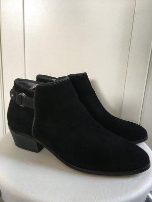 schwarze Lederstiefelette Esprit