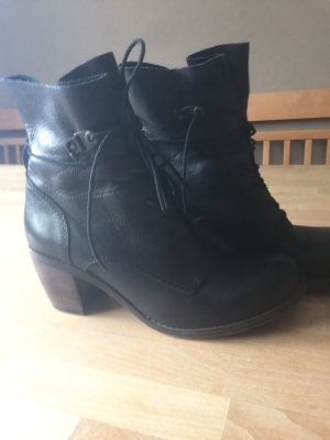 Bullboxer Lace-up Booties black