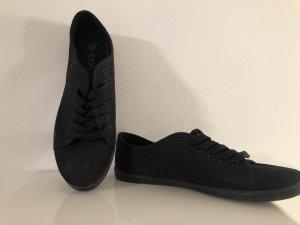 schwarze leichte Sneakers