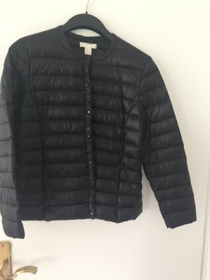 Schwarze Light Daunenjacke von H&M