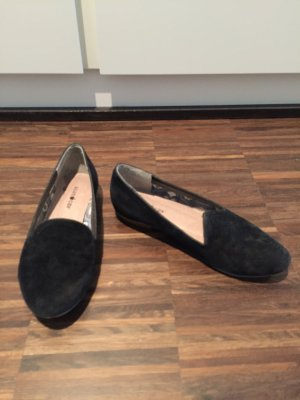 Schwarze Loafer in Wildlederoptik