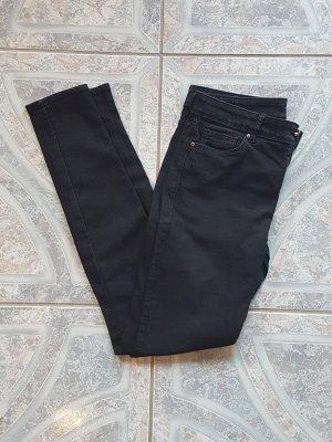 Schwarze Low- Waist Hose
