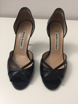 Schwarze Manolo Blahnik Peeptoe Pumps in Lackleder