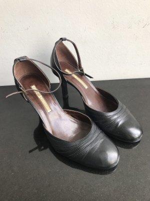 Buffalo Mary Jane Pumps black