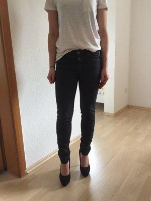 Schwarze Mavi-Jeans in Größe 25!