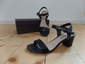 Schwarze minimalistisch Trend-Sandalen