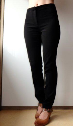 Schwarze moderne Stoffhose