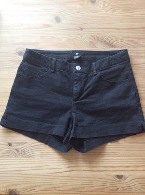 Schwarze modische Shorts