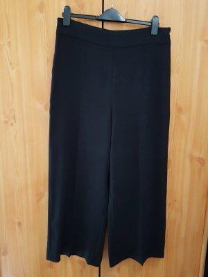 schwarze neue Culotte Hose von Zara angegebene  Grösse XL/ entspricht D40/D42