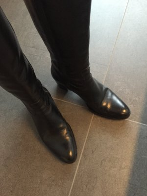 Schwarze neuwertige Lederstiefel aus Italien