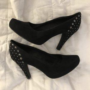 Schwarze Nieten Pumps