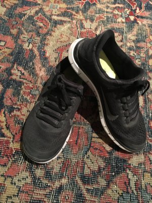 Schwarze Nike air free 3.0