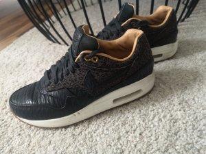 schwarze Nike Air Max, limitiert