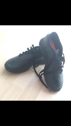 Schwarze Nike Damenschuhe Größe 37,5