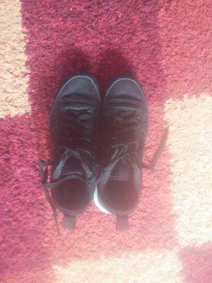 Nike Low Shoes black