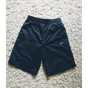 Schwarze Nike-Shorts in Gr. XS