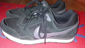 schwarze Nikeschuhe | Gr.43