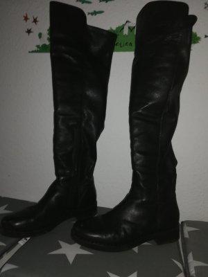 Schwarze Overknees aus Leder