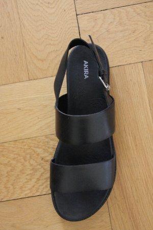 Schwarze Plateau-Sandalen von Akira