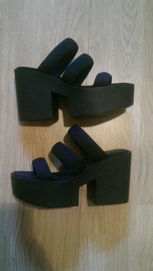 Schwarze Plateau-Sandalen von H&M