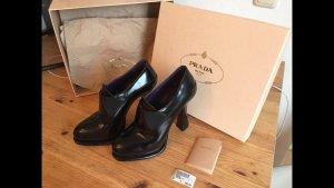 Schwarze Prada Schuhe