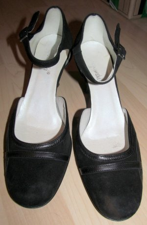 Mary Jane Pumps black