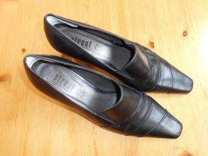 schwarze Pumps mal anders Street Shoes