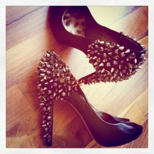 Schwarze Pumps Sam Edelman Peeptoes 40 Spike Rock Punk Blogger Style