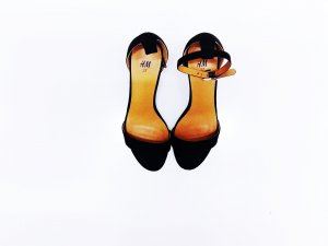 H&M Pumps met bandjes zwart-bruin