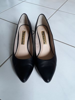 Tamaris Women s Pointed Toe Pumps at reasonable prices   Secondhand ... 26e2f291ad