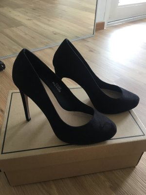 Schwarze Pumps Wide Fit