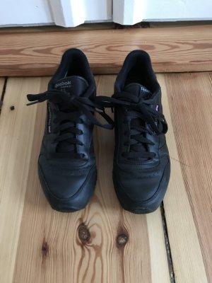 Schwarze Reebok Classic Sneaker aus Leder Größe 38