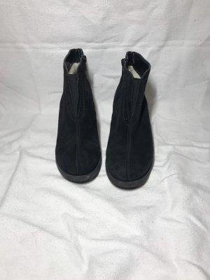 Schwarze Reißverschluss-Stiefeletten
