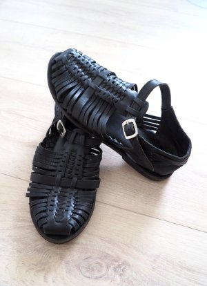 Schwarze Riemchen Sandalen