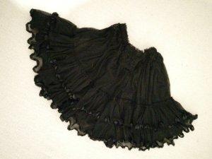 Schwarze Rock mit schönem kräuselsaum