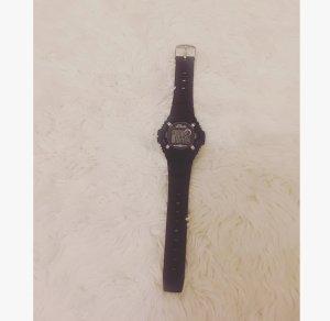 Schwarze S.Oliver Uhr