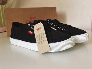 schwarze, samtige Sneaker von Levis