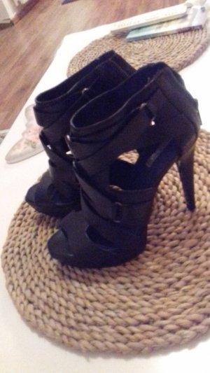 schwarze Sandale Marke Zara !!