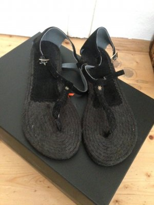 Schwarze Sandalen