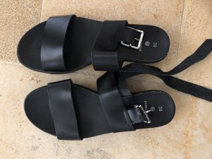 Pieces Strapped Sandals black