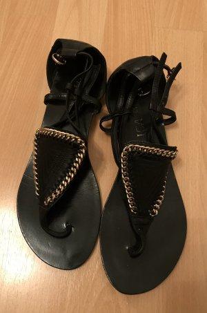 Schwarze Sandalen (Gr. 38)