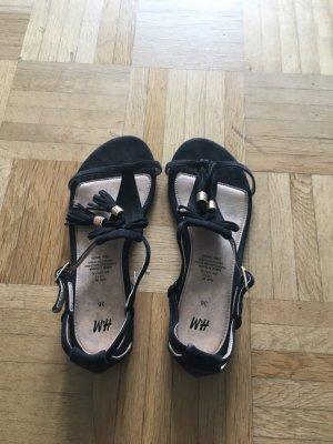 Schwarze Sandalen von H&M Mit goldenem Detail, Größe 36