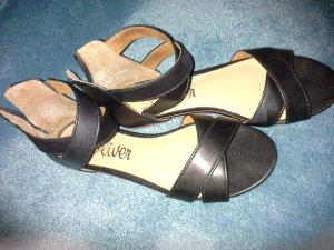 Schwarze Sandalen von s. Oliver - neuwertig
