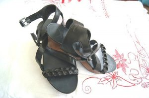 Schwarze Sandalen von Sansibar