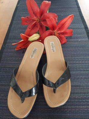 Schwarze Sandaletten Gr.37 v Buffalo girl