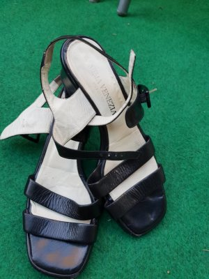 schwarze Sandaletten Venezia