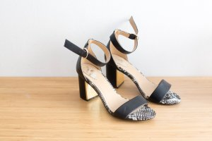 Oasis High-Heeled Sandals black