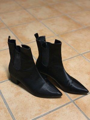 Schwarze Satin Schuhe
