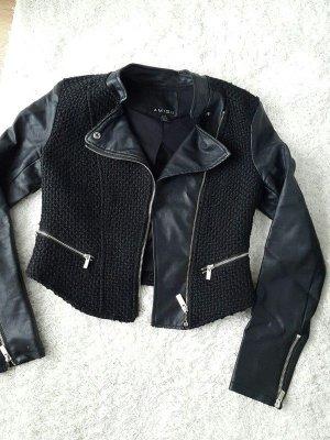 Schwarze schicke Bikerjacke in schwarz